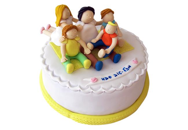 עוגה לסבא עם נכדים